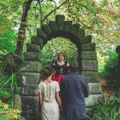 Local celebrant, Sarah Nelson gives us her top tips on booking a celebrant