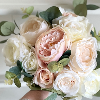 Meet Laura MacPherson from Laurel Silk Florist