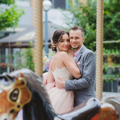 Tips for planning a carnival-themed wedding